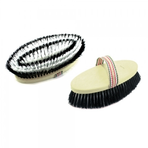 Umbria Equitation scrubbing brush with syntetic bristles